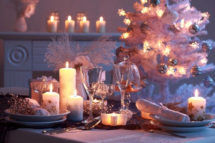 Nowy-Rok-Świece-świąteczne-świątecznym-stole-Stołowe-Drzewo-485x728